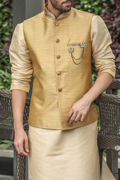 Buy Perfect Yellow Kurta-Jacket Set for any Festival - from a classic range of Nehru & Modi Jackets at Manyavar. Adorn a jacket from our collection to enhance your traditional wear & Kurta Pajamas. Mens Indian Wear, Mens Ethnic Wear, Indian Groom Wear, Indian Men Fashion, Wedding Kurta For Men, Wedding Dresses Men Indian, Wedding Dress Men, Casual Wedding, Wedding Outfits