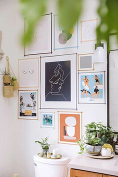Diy washi tape gallery wall awesome diy art in 2019 развешивание картин, ка Washi Tape Wall, Tape Wall Art, Tape Art, Diy Wall Art, Diy Art, Interior Design Color Schemes, Modern Gallery Wall, Gallery Walls, Idee Diy
