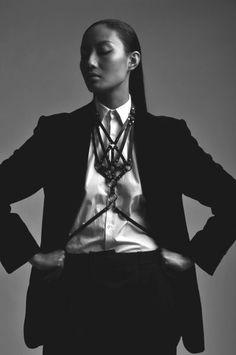 Модный аксессуар - женская портупея black and white bw asian model