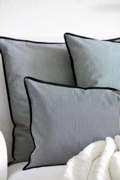 Kissen Stripes schwarz-weiß 50 x 50 cm