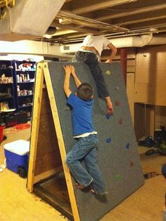 DIY Portable rock climbing wall ~ Perfect for rainy days and making obstacle courses in back yard, too. This is AWESOME!: