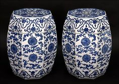A Pair of Chinese Blue and White Porcelain Garden Seats. Lot 164-1147