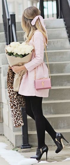Feminine & classy outfit.