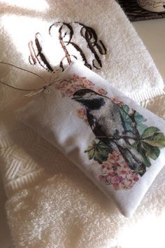 You Could Make That: SMELL THE FLOWERS - LAVENDER SACHETS - make image with artist transfer paper.  It irons image on and is not stiff.