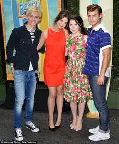 Co-stars: Ross Lynch, Maia Mitchell, Grace Phipps and Garrett Clayton pose up together at the premiere Teen Beach 2 Movie, Team Beach Movie, Teenage Movie, Disney Channel Original, Disney Channel Stars, Disney Stars, Celebrity Dads, Celebrity Crush, Grace Phipps