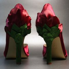 If the colors were a bit different, these would be so cool for a Poison Ivy Costume!!!  (Sample Sale on Etsy)
