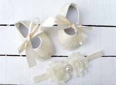 Baby ivory Lace Shoes and headband setBaby by OoSweetCharlotteoO