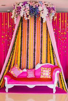 Tonnenweise Ideen, um von diesem Goan Mehendi By Weddings zu stehlen Desi Wedding Decor, Wedding Hall Decorations, Wedding Mandap, Marriage Decoration, Wedding Backdrops, Backdrop Decorations, Mehndi Ceremony, Mehndi Stage, Mehendi Night