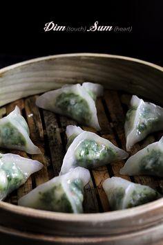 Glass-wrapper shrimp dumpling dim sum.