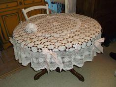 Nappe ronde en dentelle dans un esprit Shabby Chic. : Textiles et tapis par cristal-dec