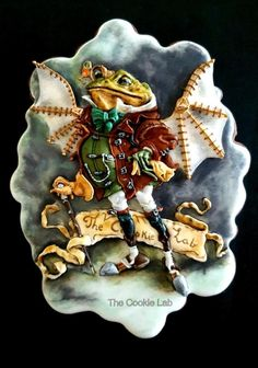Playing with Details on a Steampunk Frog Cookie! by The Cookie Lab - Bolachas Decoradas Artesanais