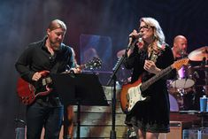 Tedeschi Trucks Band Deliver Fiery 'Shame' on 'Kimmel' Susan Tedeschi, Tedeschi Trucks Band, Derek Trucks, Country Music News, Outdoor Stage, Allman Brothers, Jimmy Kimmel Live, Rock Outfits, Political News