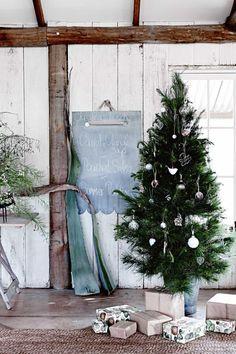 rustic-christmas-tree-ACS1215p61