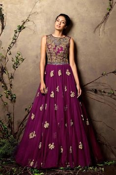 Looking for royal blue gown? Browse of latest bridal photos, lehenga & jewelry designs, decor ideas, etc. Indian Gowns, Indian Attire, Pakistani Dresses, Indian Outfits, Indian Clothes, Desi Clothes, Indian Wear, Designer Gowns, Indian Designer Wear