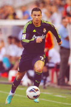 Cristiano Ronaldo says he will not sign a new contract at Real Madrid Cr7 Vs Messi, Lionel Messi, Neymar, Cristino Ronaldo, Cristiano Ronaldo Junior, Ronaldo Soccer, Ronaldo Juventus, Good Soccer Players, Football Players