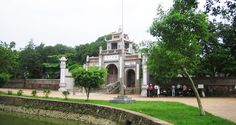 Finding the piece out of Hanoi - Private Tour. Hanoi – the capital of Vietnam – is a noisy and gaudy city in the North of Vietnam.