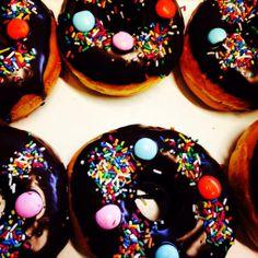 Justin donut! Try it!!! Αλεξιουπόλεως 31 Αργυρούπολη!! https://www.facebook.com/CaliforniaDonuts https://twitter.com/CaliforniaDonut http://instagram.com/californiadonuts_