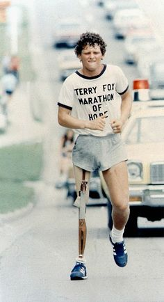"""Terry Fox running his """"Marathon of Hope"""" in 1980 to raise money for cancer research and awareness. He ran approx. 26 miles (about the distance of a marathon) every day for 143 days. I Am Canadian, Canadian History, Canadian People, Marathon, Fox Quotes, Ask The Dust, Cross Country Running, Getting Him Back, O Canada"""