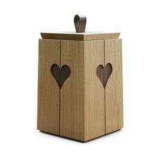 Martin Harvey is a designer maker producing hand crafted furniture and fine wooden boxes. Harvey Furniture, Fine Woodworking, Keepsake Boxes, Wooden Boxes, Carpentry, Wood Art, Wood Crafts, Craftsman, Woodshop Tools