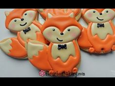 How to decorate a Fox Cookie - Flour Box Bakery Fox Cookies, Cut Out Cookies, Iced Cookies, Cute Cookies, How To Make Cookies, Cupcake Cookies, Sugar Cookies, Making Cookies, Cupcakes