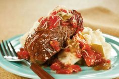 Slow cooker Saucy swiss steak - Throw the fixings in the slow cooker in the morning, then enjoy a steak-and-peppers main dish simmering in a tomato-based sauce for dinner. Kraft Foods, Kraft Recipes, Slow Cooking, Healthy Cooking, Crock Pot Slow Cooker, Slow Cooker Recipes, Cooking Recipes, Slow Cooker Swiss Steak, Cooking Tips
