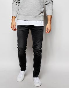 Jeans von Edwin 11Unzen fester Denim-Stretch niedrige Bundhöhe Reißverschluss schmaler, karottenförmiger Beinschnitt Beinöffnung: 33 cm/13 Zoll enge Passform Maschinenwäsche 98,5% Baumwolle, 1,5% Elastan unser Model trägt Größe 81 cm/32 Zoll und ist 185,5 cm/6 Fuß 1 Zoll groß