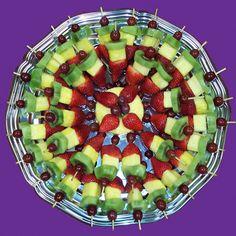© 2010 Living On Fruit design by DzigNine