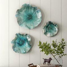 Plate Wall Decor, Wall Decor Set, Metal Wall Decor, Hanging Wall Art, Plates On Wall, Room Decor, Decorative Wall Panels, Decorative Pillows, Decor Pillows
