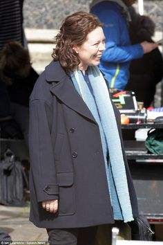 Pregnant Olivia Colman hides baby bump as she films new John le Carré based . Olivia Coleman, Southwark Cathedral, Third Child, Broadchurch, Old Actress, Baby Bumps, Three Kids, Thursday