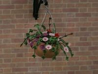Dolls House Hanging Basket from The Wonham Collection. A1682.