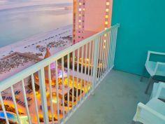Holiday Inn Resort Pensacola Beach: Top 7 Oceanfront Hotels in Pensacola Beach in 2019 (with Prices & Photos) - TripsToDiscover Pensacola Beach, Destin Beach, Holiday Resort, Beach Holiday, Barcelona Restaurants, Beachfront Property, Visit Florida, Luxury Condo, Island Resort