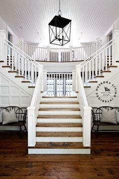 staircase in a Coastal-style cottage - Style At Home Beach Cottage Style, Coastal Cottage, Beach House, Coastal Style, Cottage Living, Coastal Homes, Coastal Decor, Coastal Curtains, Coastal Entryway