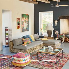 Modern and Most Popular Living Room Design Ideas for This Year Chic Living Room, Home Living Room, Living Room Designs, Living Room Decor, Dining Room, Indian Living Rooms, Colourful Living Room, Indian Home Decor, Home Decor Inspiration