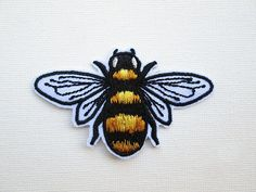 Honey Bee Embroidered Patch Iron on Honey Bee Patches for Jackets Save the Bees Knees Cute Fashion Bumble Bee Applique Insect DIY accessory Cute Patches, Diy Patches, Pin And Patches, Iron On Patches, Name Embroidery, Embroidery Patches, Diy Embroidery Projects, Embroidered Name Patches, Thread Painting