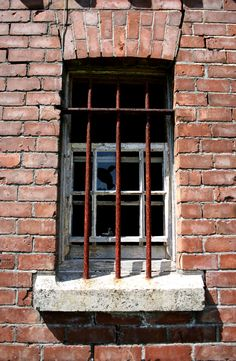 Door Signs, Motel, Windows, Doors, Prison, Design, Bathroom, Home Decor, Image