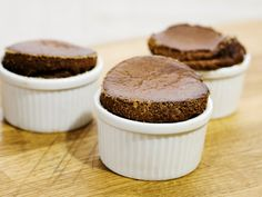 Chokladsufflé (kock Anders Levén) No Bake Desserts, Muffin, Sweets, Breakfast, Food, Inspiration, Ska, Morning Coffee, Biblical Inspiration