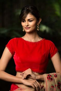 Want to check out best velvet blouse designs of this year? Here are 19 latest models you can wear with any saree! Blouse Back Neck Designs, Silk Saree Blouse Designs, Fancy Blouse Designs, Bridal Blouse Designs, Red Blouse Saree, Saree Jacket Designs Latest, Indian Blouse Designs, Blouse Designs Catalogue, Stylish Blouse Design