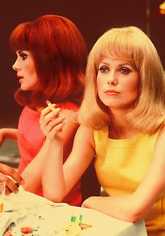 """Sisters in real life Françoise Dorleac and Catherine Deneuve in  """"Les Demoiselles de Rochefort"""". Françoise Dorleac was killed in a car crash a short time later."""