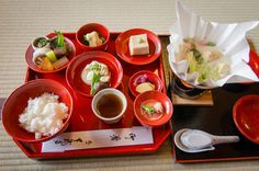 Great post with a list of unique things about Japanese food and eating in Japan via @caskifer