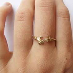 Mystery Hugs ring #ring #jewel