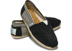 University Black Rope Sole Womens Classics size 6