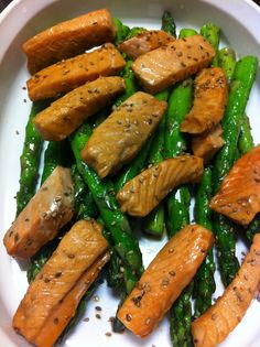 DISFRUTA COCINAR: ENSALADA DE ESPARRAGOS CON SALMON Healthy Menu, Healthy Snacks, Healthy Eating, Healthy Recipes, Deli Food, Asparagus Recipe, Light Recipes, I Love Food, Clean Eating