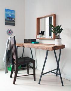 eine lange Baumscheibenplatte als Tischplatte - gibts manchmal bei Sägewerken