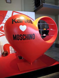 Kartell Love Moschino @Pitti W 2010