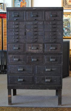 110 Rustic Storage Cabinet Ideas on a Budget 29 Awesome Industrial Vintage Decor Ideas For A Brick & Steel Lifestyle Vintage Industrial Furniture, Industrial House, Industrial Interiors, Industrial Chic, Industrial Storage, Design Industrial, Rustic Storage Cabinets, Vintage Decor, Rustic Decor