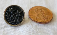 1 Tiny metal picture button grass flower. by ButtonsAndTreasures