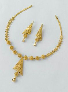 Beautiful Necklace set only from the gold factory: 1 Necklace - gm… Gold Jewellery Design, Jewellery Box, Jewellery Shops, Lehenga Jewellery, Designer Jewelry, Jewellery Display, Jewelry Stores, Gold Jewelry Simple, India Jewelry