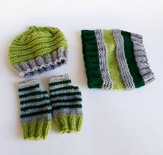 Shawl, gloves and hat in green and grey hues made of wool. The dimensions are cm and the colors are: green and grey. It is recommended for all ages. It sells at 12 euros. Fashion Killa, Fashion Addict, Fashion Trends, Baby Socks, Crochet Shawl, Green And Grey, Knitted Hats, Winter Hats, Gloves
