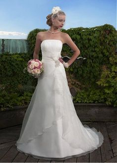 SIMPLE ORGANZA A-LINE STRAPLESS NECKLINE WEDDING DRESS WITH BEADING AND MANMADE DIAMONDS