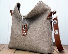 Womans felt handbag, felt purse for women, messenger bag for her, gift for her, womans messenger bag, clutch bag, handbag